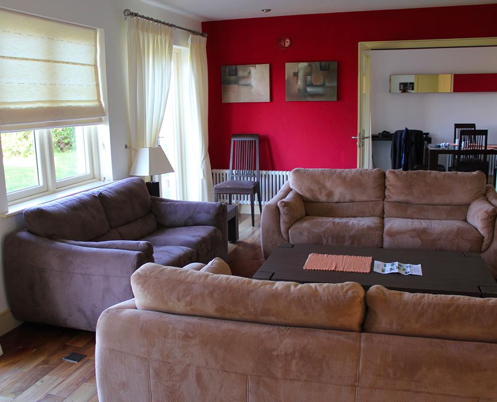 Photo du salon d'un des cottages proposés à Kenmare en Irlande