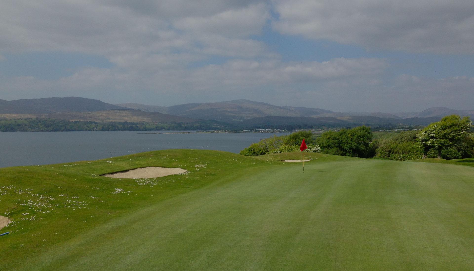 Photo du Bantry Bay Golf Club, l'un des golfs proposés dans les séjours